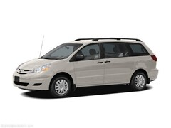 2006 Toyota Sienna LE w/8 Pass. Seating Van