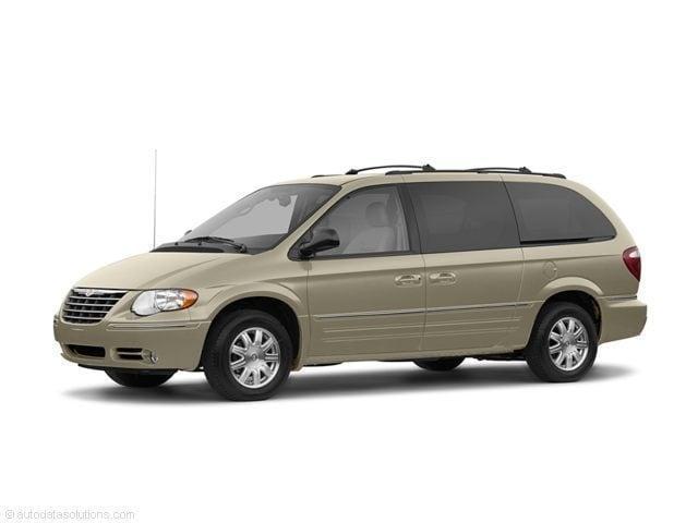 2007 Chrysler Town & Country Touring Passenger Van