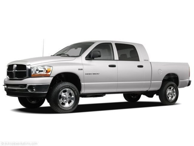 2008 Dodge Ram 1500 Crew Cab Short Bed Truck V-8 cyl