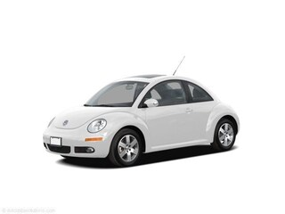 2008 Volkswagen New Beetle Triple White w/PZEV Hatchback