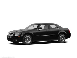 Used 2009 Chrysler 300 Sedan for sale in DFW area