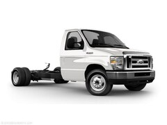 2010 Ford Econoline 450 Cutaway Base DRW Chassis Truck