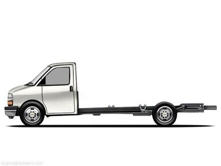 2011 Chevrolet Express Cutaway 4500 Series Diesel Truck