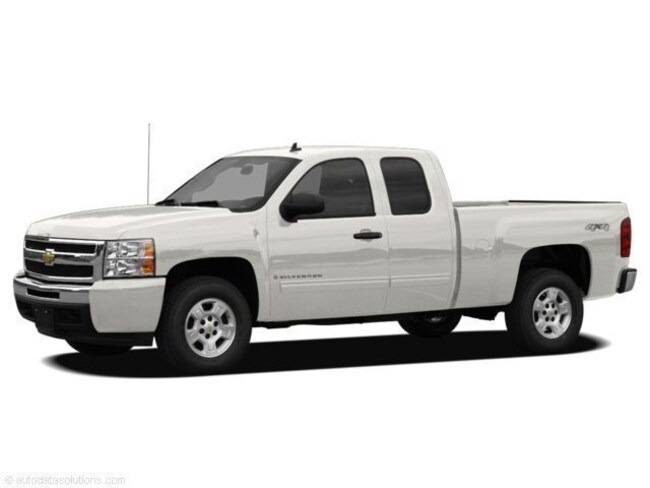 2011 Chevrolet Silverado 4X4 Truck Extended Cab