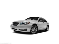 Used 2011 Chrysler 200 Limited Sedan for Sale in Springfield IL