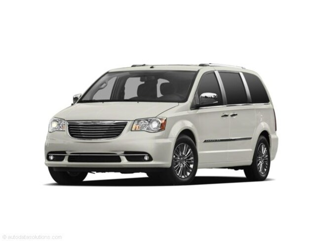 2011 Chrysler Town & Country Touring Mini-Van
