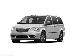 2011 Chrysler Town & Country Limited Van