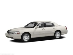 Used 2011 Lincoln Town Car Signature Limited Sedan