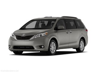 Used 2011 Toyota Sienna Van 5TDKK3DC8BS119715 For Sale in Chicago, IL