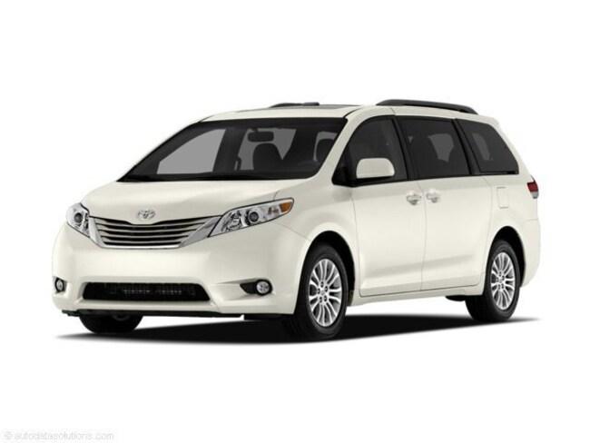 2011 Toyota Sienna XLE Van