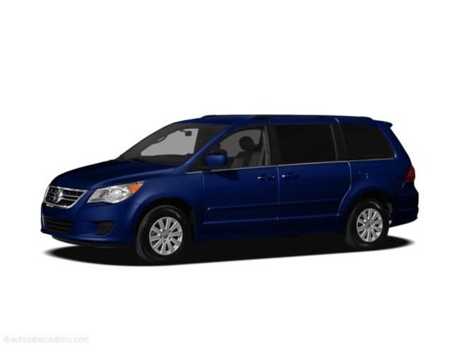Used 2011 Volkswagen Routan SE Van Near Baltimore