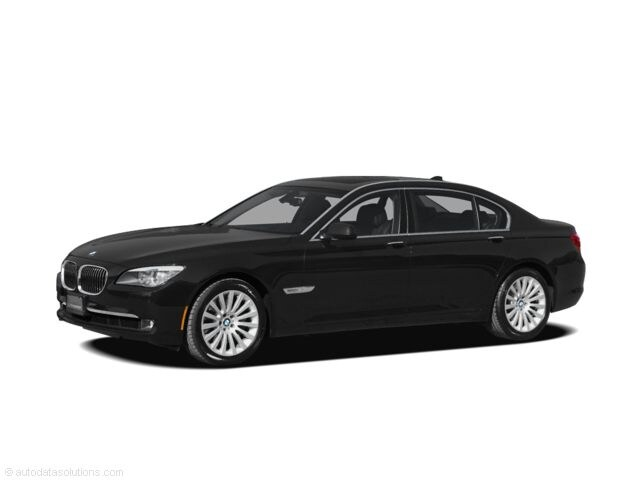 Bargain Used 2012 BMW 750i Sedan under $15,000 for Sale in San Antonio