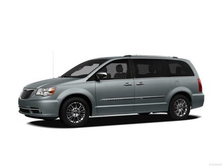 Used 2012 Chrysler Town & Country Touring Van Front-wheel Drive For sale in Clinton, IL
