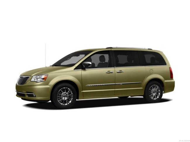 Used 2012 Chrysler Town & Country Touring-L Minivan/Van In Midland