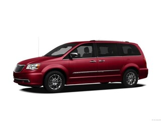 Used 2012 Chrysler Town & Country Limited Van for sale in DFW area