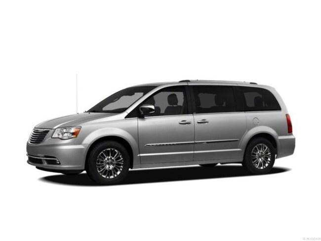 2012 Chrysler Town & Country Limited Mini-Van
