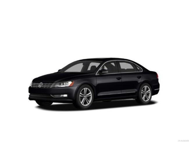 2012 Volkswagen Passat TDI SE w/ Sunroof & Nav Sedan