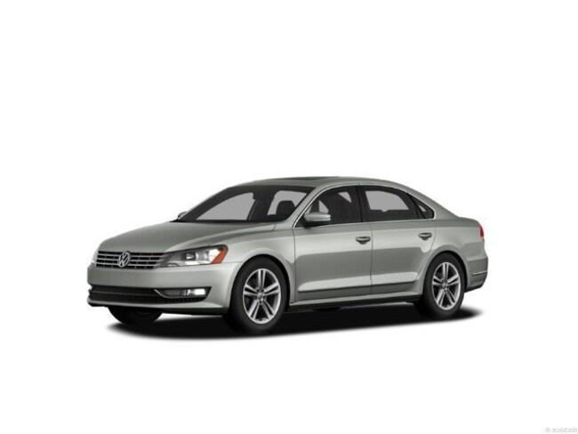 2012 Volkswagen Passat TDI SE w/Sunroof & Nav Car