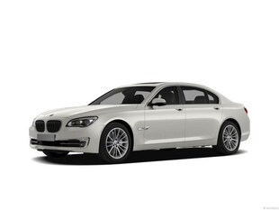 2013 BMW 7 Series 740i Sedan