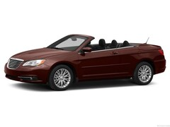 2013 Chrysler 200 Touring  FWD 4 CYL. /  Auto convertible