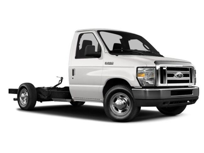 2013 Ford E-350 Cutaway Base Truck