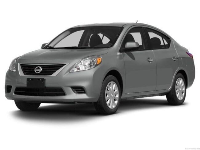 2013 Nissan Versa 1.6 SV Sedan