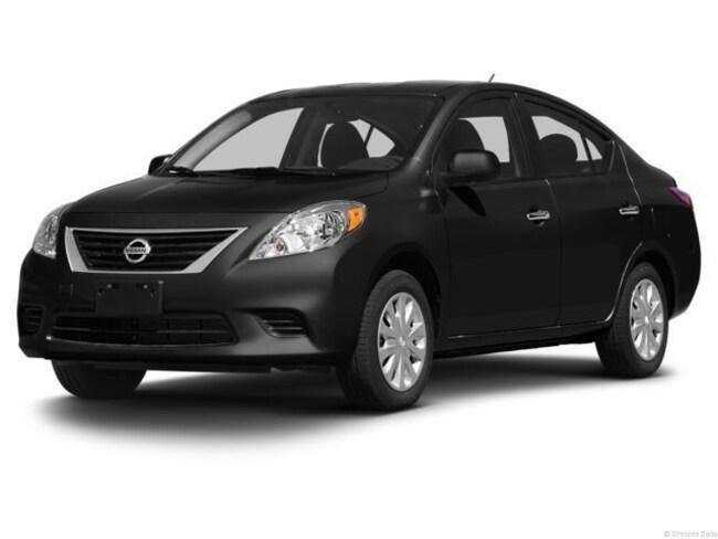Used vehicle 2013 Nissan Versa 1.6 SV Sedan for sale near you in Chantilly, VA