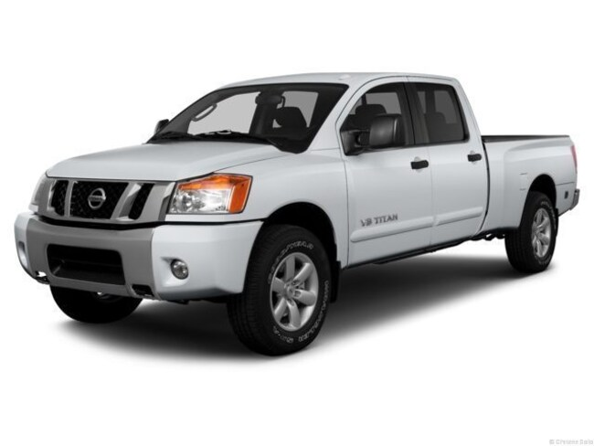 2013 Nissan Titan SV Four-Wheel Drive with Locking and Limited-Slip Dif