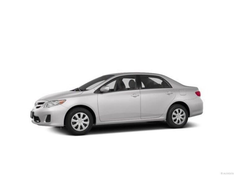 2013 Toyota Corolla 4dr Sdn Auto LE Car