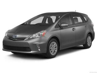 2013 Toyota Prius v Five Wagon