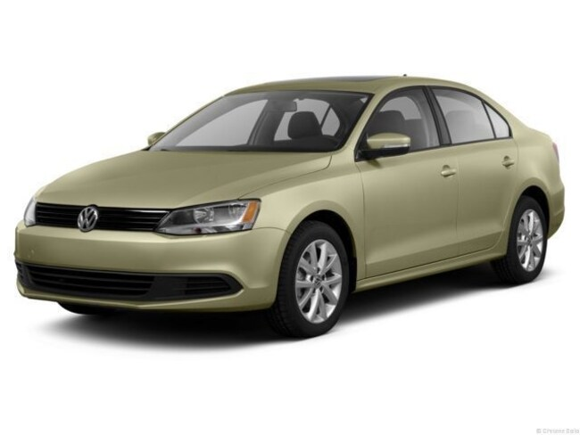 Certified Pre-Owned 2013 Volkswagen Jetta 2.0L TDI w/Premium/Navigation Sedan Johnston, IA