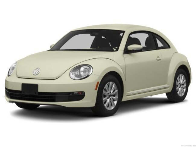 2013 Volkswagen Beetle 2.0L TDI w/Sunroof Hatchback