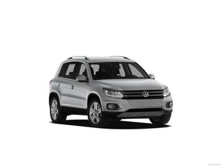 Used 2013 Volkswagen Tiguan S w/Sunroof 2WD  Auto S w/Sunroof *Ltd Avail* in Fort Myers