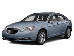 2014 Chrysler 200 4D Sedan Sedan