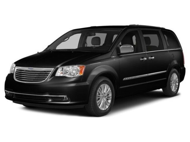 2014 Chrysler Town & Country S Van