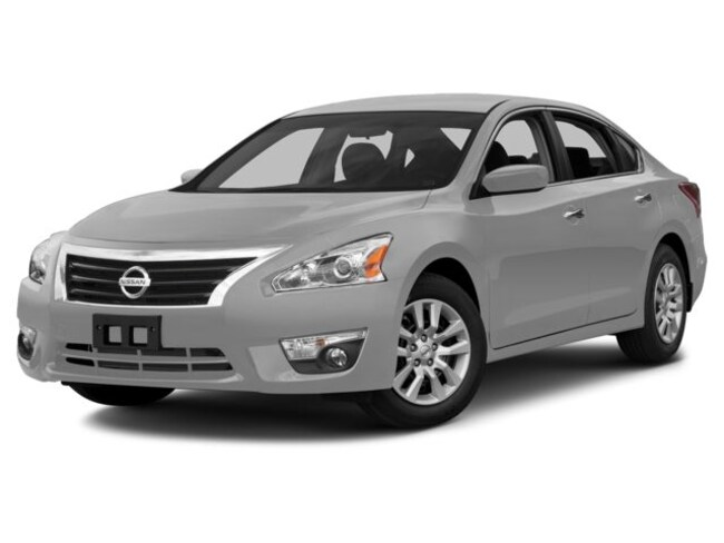 Used 2014 Nissan Altima 2.5 Sedan for sale near Playa Vista