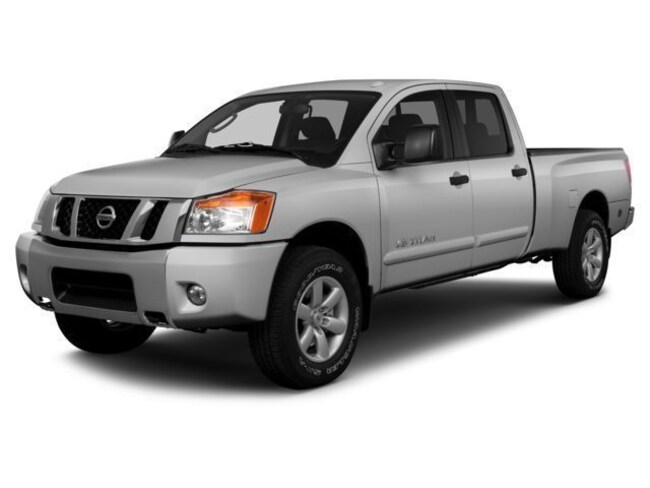 Used 2014 Nissan Titan SV Truck Crew Cab in Lynchburg, Virginia