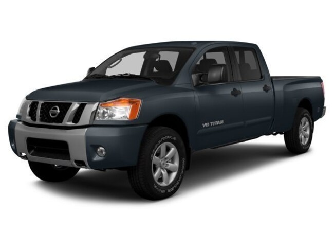 2014 Nissan Titan PRO-4X 4WD Truck