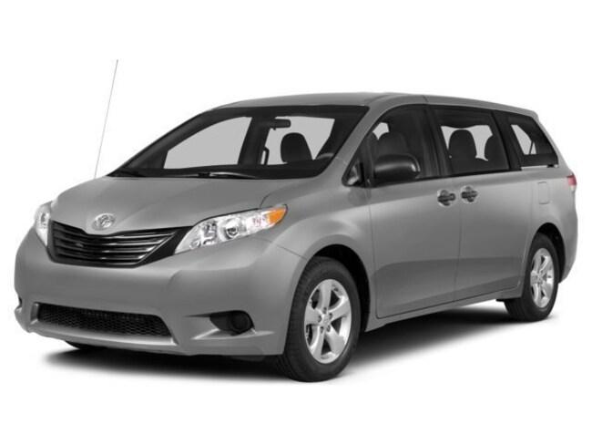 2014 Toyota Sienna LE 7 Passenger AWD 4dr Mini Van Van