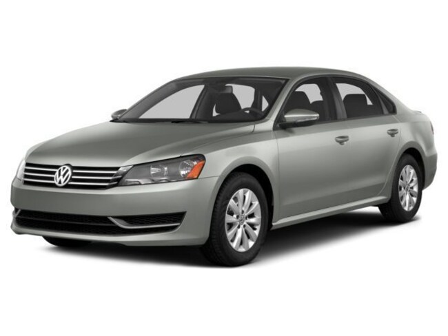 2014 Volkswagen Passat 2.0L TDI SE w/Sunroof/Navigation Sedan