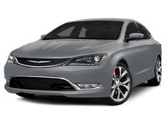 2015 Chrysler 200 C v-6 8.4 screen Sedan