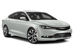 New Chrysler Dodge Jeep Ram 2015 Chrysler 200 S Sedan in Milford near New Haven CT