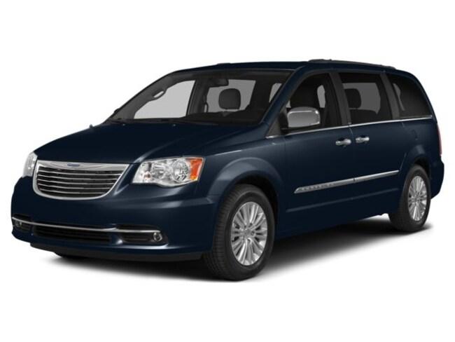 2015 Chrysler Town & Country Touring Minivan/Van