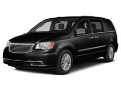 2015 Chrysler Town & Country S Van
