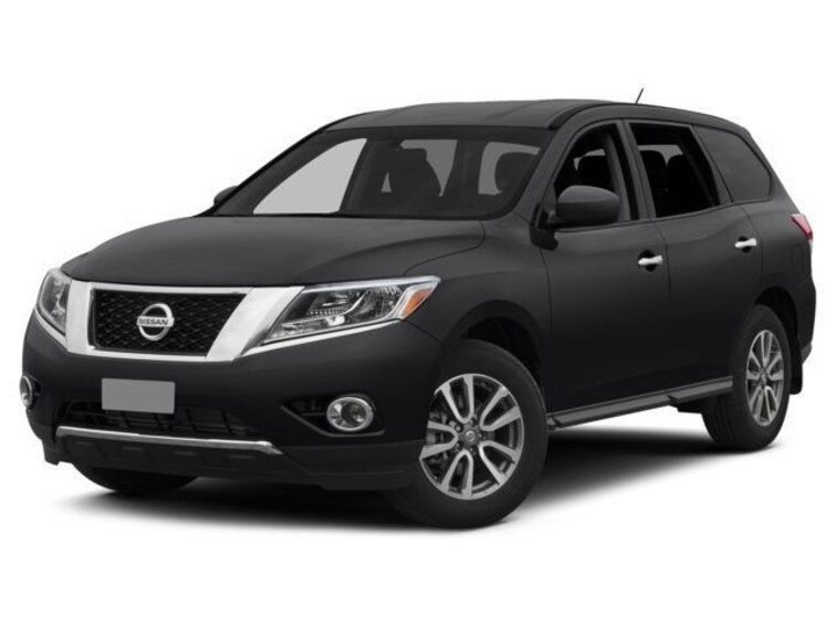 Used 2015 Nissan Pathfinder SL SUV in Columbia, MO