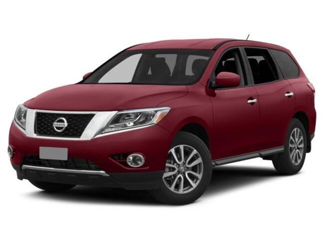 2015 Nissan Pathfinder 2WD 4dr SV suv