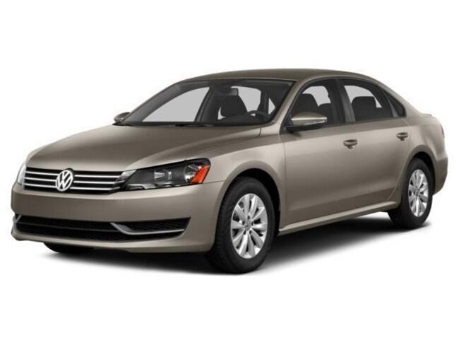 2015 Volkswagen Passat 1.8T SE w/Sunroof/Nav/PZEV Sedan