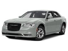 Bargain Used 2016 Chrysler 300 Limited Sedan GH135496 for sale in Kerrville near Boerne, TX