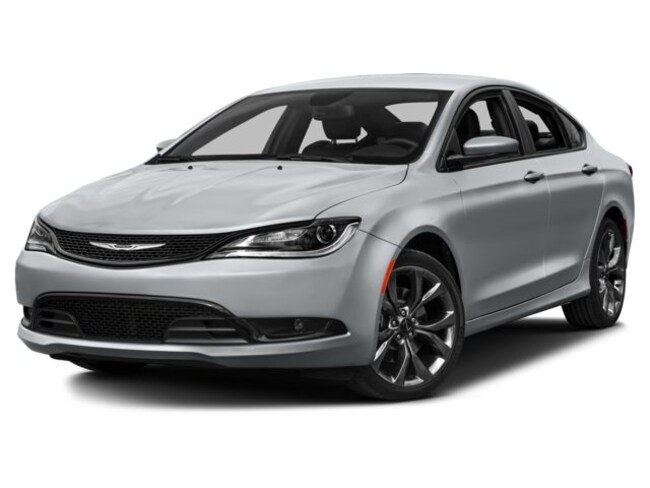 Used 2016 Chrysler 200 Limited Sedan in Durant, OK
