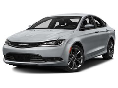 2016 Chrysler 200 S Car